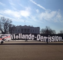 Hollande vient se ressourcer au bureau Ovale? TROP TARD! Hollande-Demission en action juste devant !!