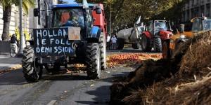 Manifestation d'agriculteurs à Tours devant la maire. Cette fois le 3 septembre, ça sera devant l'Assemblée Nationale